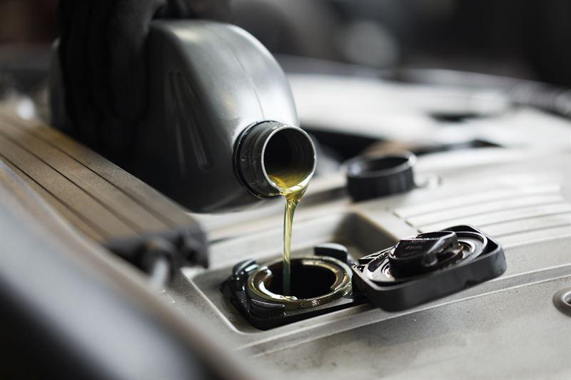 Jak wybrać najlepszy olej dla swojej nowej Mazdy